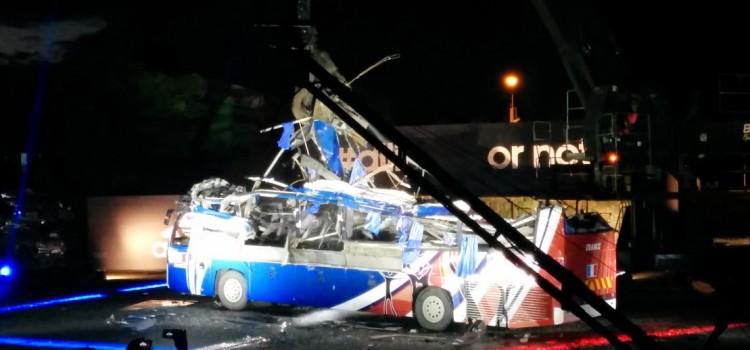 [COMPTE-RENDU] Adidas détruit le bus de Knysna !