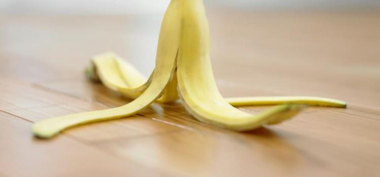 Est-ce qu'une peau de banane peut vraiment faire déraper un karting?