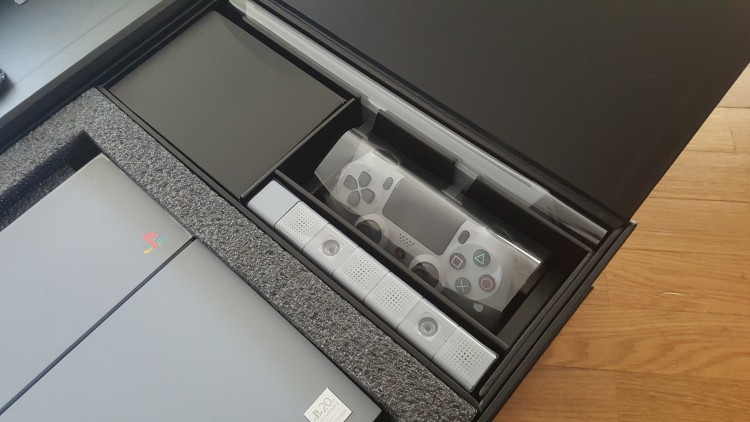 PS4Collector20th-anniversary-05